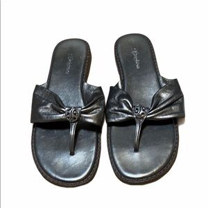 Brighton Shiny grey Leather Thong Sandals